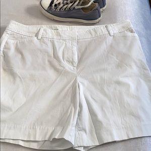 Talbots Perfect Shorts Size 16